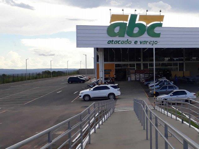 Supermercado ABC vai a justiça para poder vender bebidas alcoólicas em João Pinheiro