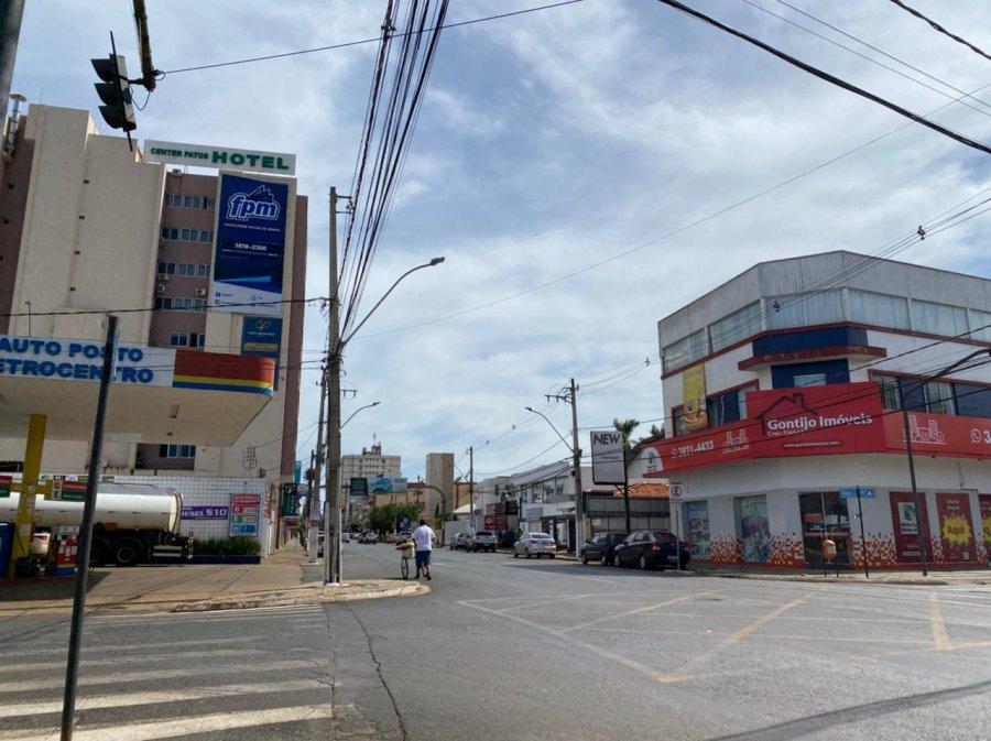 Covid-19: novo decreto libera todas as atividades comerciais na cidade