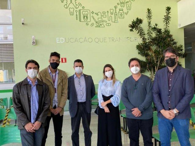 Presidente do Conselho Regional de Odontologia visita Centro Clínico Odontológico