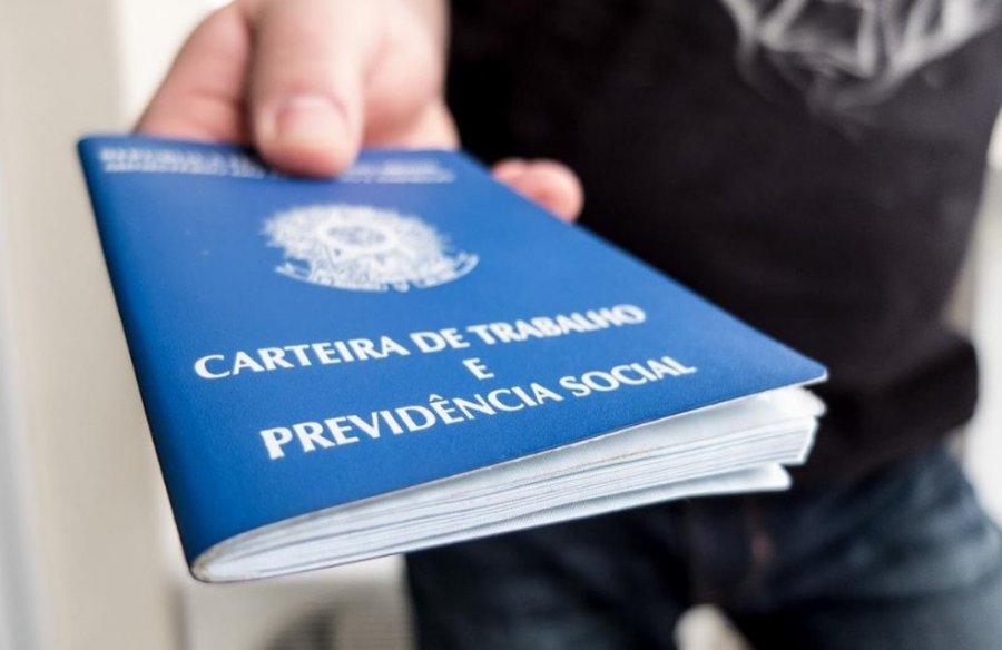 Mais de 30 vagas de emprego são divulgadas pela CDL de Patos de Minas