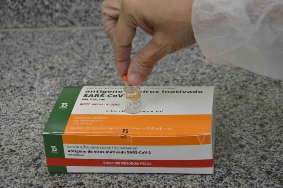 Covid-19: informe de segunda dose (CoronaVac) para 69 e 68 anos e trabalhador de saúde