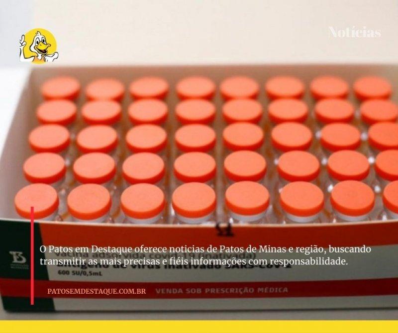 Vacinação contra covid-19 nesta segunda-feira está agendada para trabalhadores da saúde