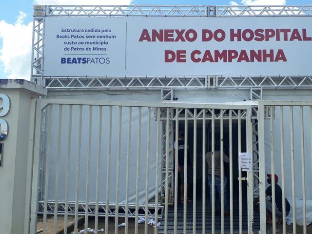 Médica faz campanha para arrecadar livros e palavras cruzadas para pacientes do Hospital de Campanha