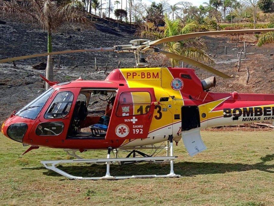 Helicóptero dos bombeiros transfere criança com câncer no fígado para a cidade de Belo Horizonte