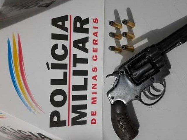 PM prende dois autores e apreende uma menor por porte de arma de fogo