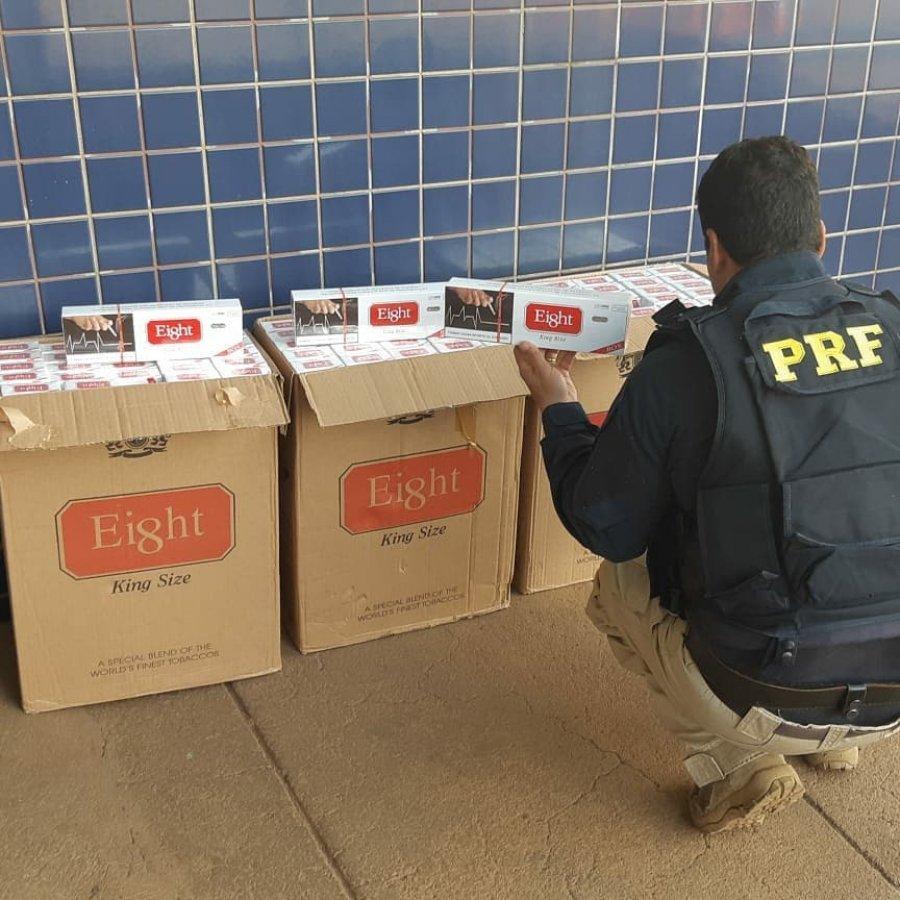 Polícia Rodoviária Federal apreende cigarros e celulares na BR-365