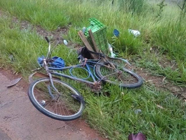 Ciclista de 88 anos fica gravemente ferido após acidente na MG 230