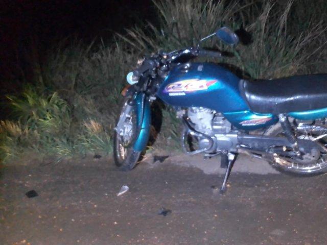 Motociclista fica ferido após perder controle da moto e cair na MGC-354, em Presidente Olegário