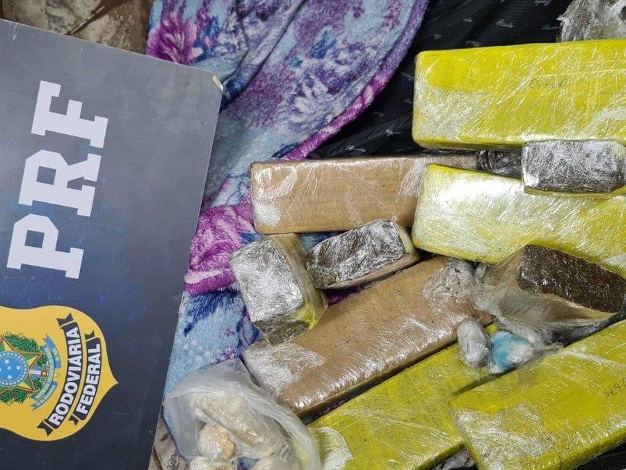 PRF apreende 6 kg de maconha e 500 gramas de pasta base de cocaína; veja o vídeo