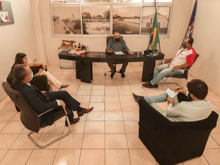 Prefeito de Lagoa Formosa promove um café com a imprensa para um agradecimento e a busca na transparência das informações