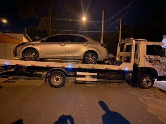 Polícia Militar recupera carro furtado em Patos de Minas