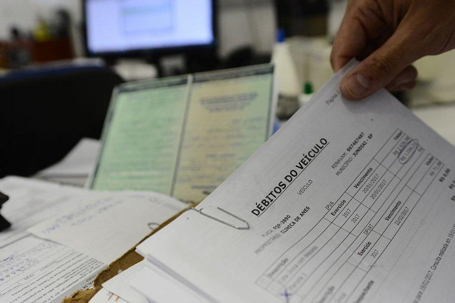 Débitos de IPVA e taxas estaduais poderão ser regularizados com descontos a partir de agosto