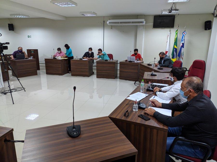 Comissão Especial que apura possíveis irregularidades na ordem de vacinação contra Covid-19 analisa denúncias