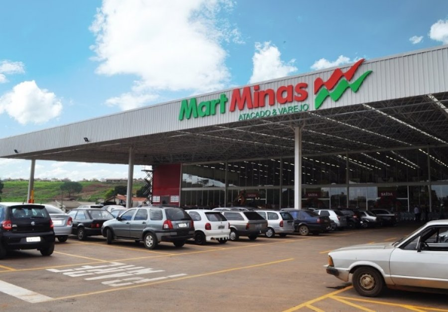 Covid-19: Fiscais suspendem atividades do Mart Minas após fiscalização