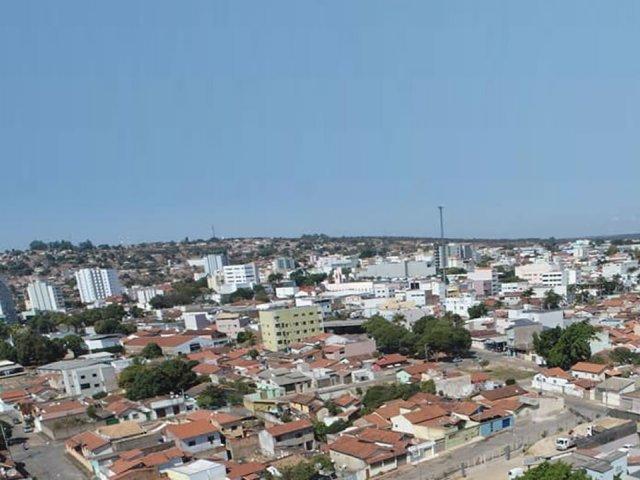 Município de João Pinheiro está descumprindo lockdown; deliberação dispensa novo decreto