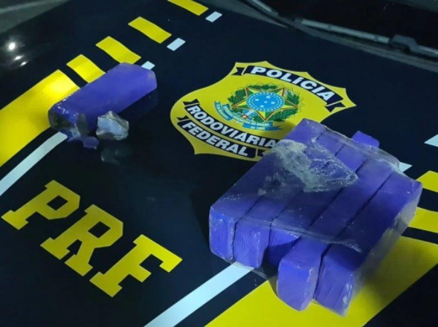 PRF prende três pessoas transportando maconha e crack na BR-365