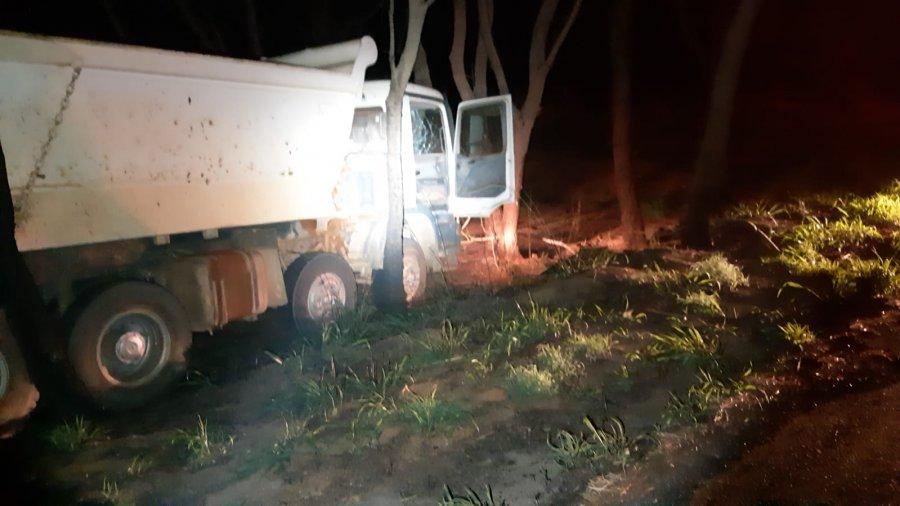 PM de Patos de Minas monta cerco bloqueio e recupera caminhões roubados em João Pinheiro