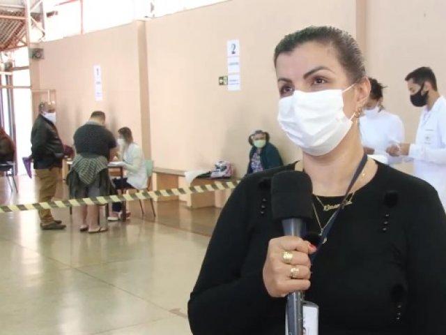 Patos de Minas vacina pessoas com síndrome de down