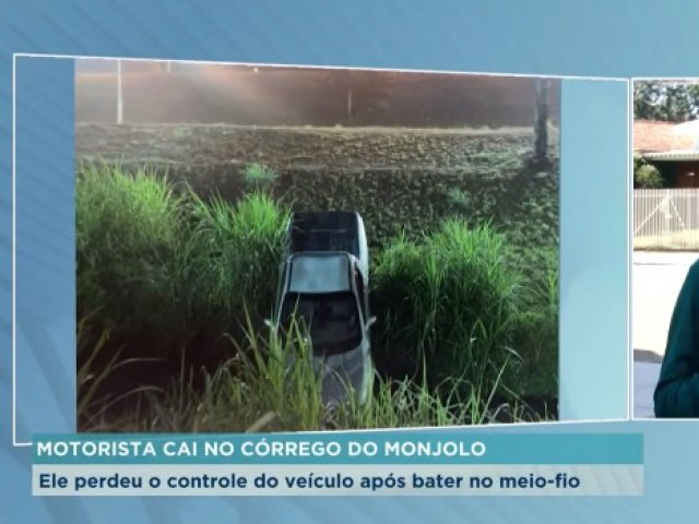 Motorista cai no córrego do Monjolo após acidente